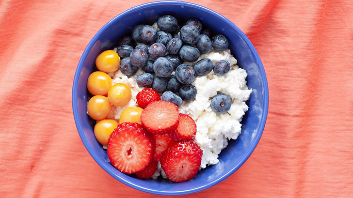 Cottage Cheese With Berries in a bowl